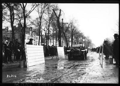 Οι λασπωτήρες των αυτοκινήτων το 1912