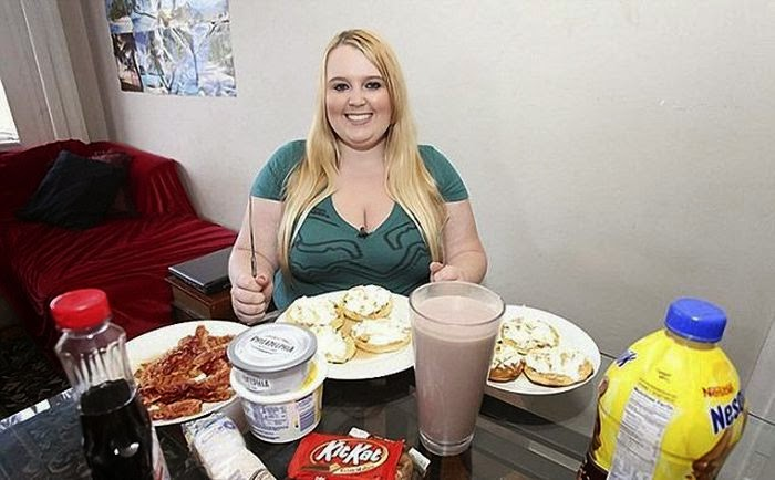 Tammy Jung Forces Herself to Be Fattest Woman In The World