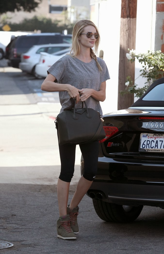 Rosie Huntington-Whitley shows a toned physique in gym wear in LA
