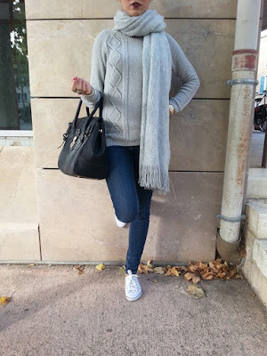 Girly dans l'ombre