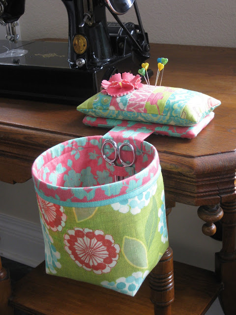 Curry Bungalow My Sew In Style Thread Catcher Pattern Has