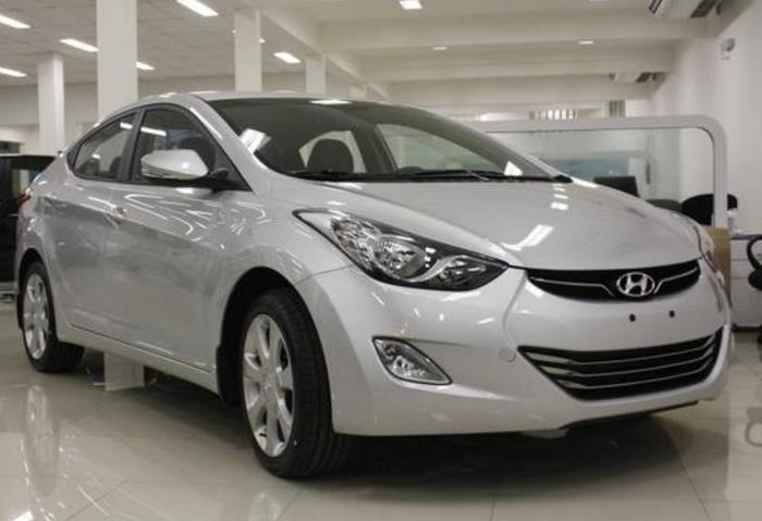 Hyundai Elantra 2012 - prata