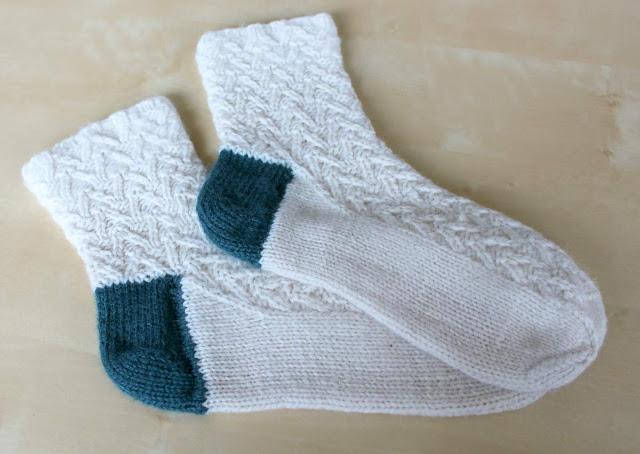 Knitting Patterns Heel Less Socks : Hand Knitted Things: Knitted Sock Heel Repair