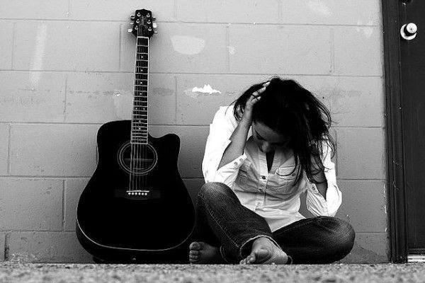 hình buồn khóc trong tình yêu