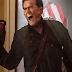 """Ash Williams enfurecido em novas imagens da série """"Ash Vs Evil Dead"""""""