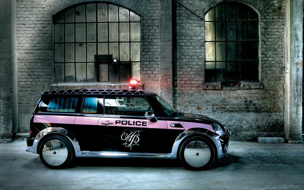 http://4.bp.blogspot.com/-Q130nOh23iM/Tgm4KLxbXHI/AAAAAAAAA6I/WefHTwqfamk/s1600/Unique+Purple+Car.jpg