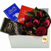 Caixa de presente com Rosas e chocolate