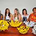 Primeira-dama da Paraíba entrega certificado a artesãs de Acaú e Cabedelo