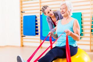 Pilates para idosos reduz as chances de quedas
