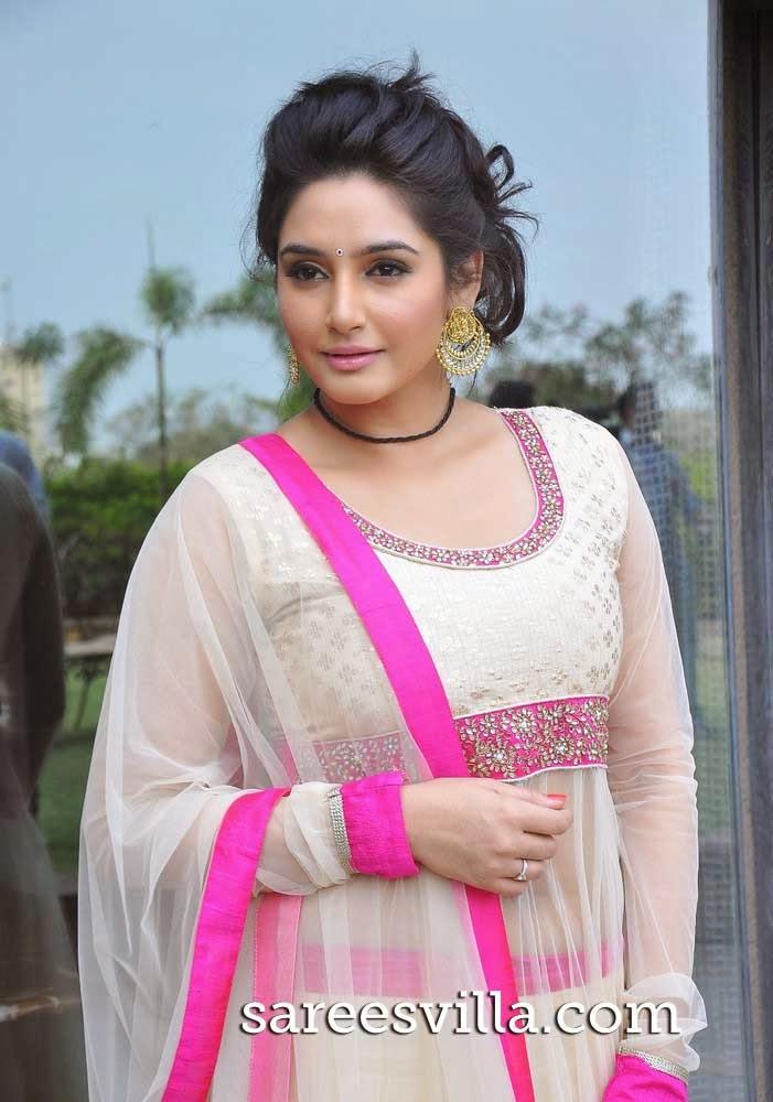 Actress Ragini Dwivedi in Lehenga
