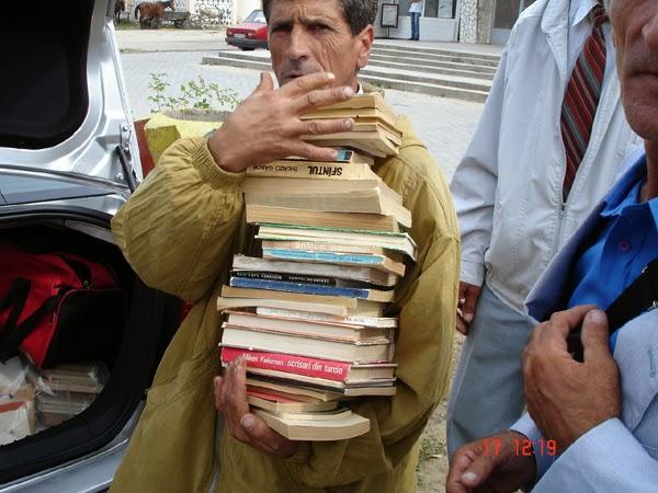 carti pentru bibliotecile satesti
