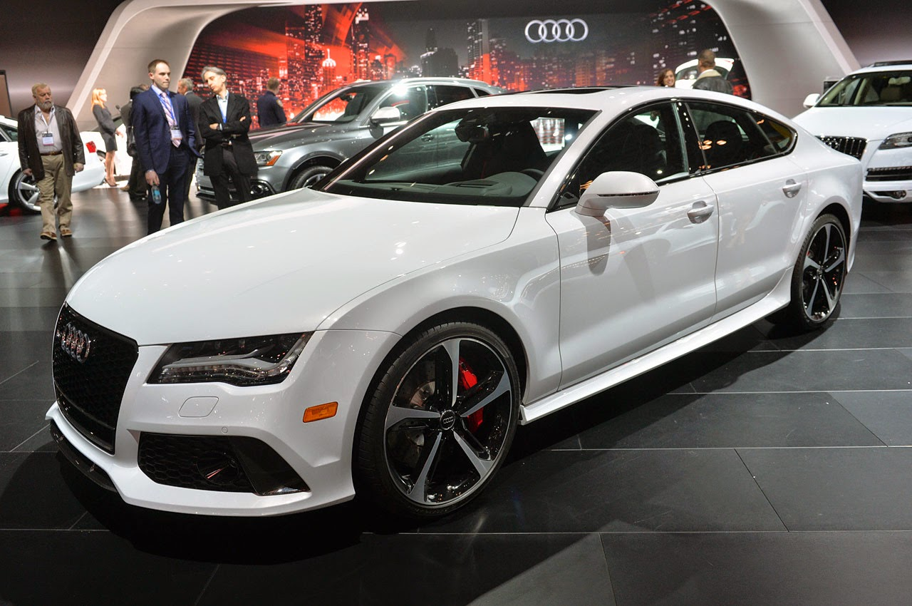 2015 Audi RS7 Dynamic Edition: New York 2014 Photos