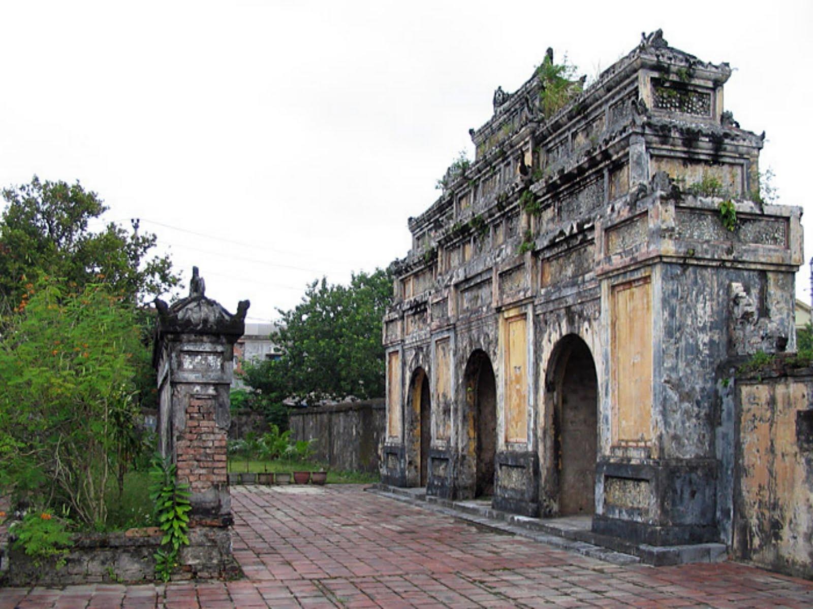 imperial tomb of duc duc hue  vietnam - imperial gate in duc duc tomb (hue vietnam)