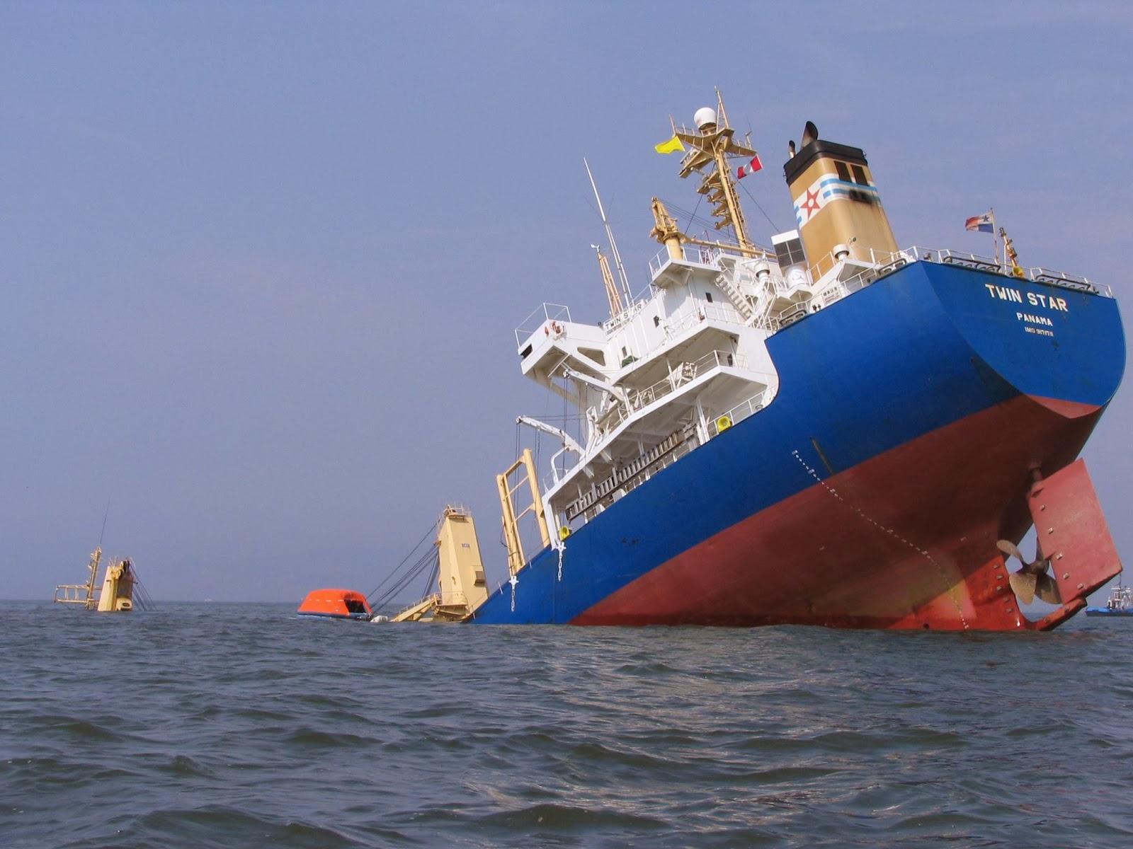 http://4.bp.blogspot.com/-Q2KljLtAlow/UwxKd8oLGhI/AAAAAAAAAyk/dGmkc1DHkVg/s1600/Titanic.jpg
