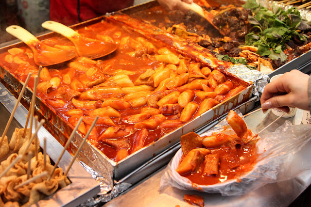 "Tteokbokki Sindang-dong nổi tiếng nhất với ""tteokbokki ăn liền"""