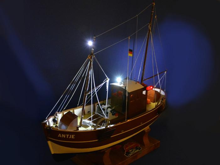 Antje von Robbe mit neuer LED Beleuchtung Bild 2