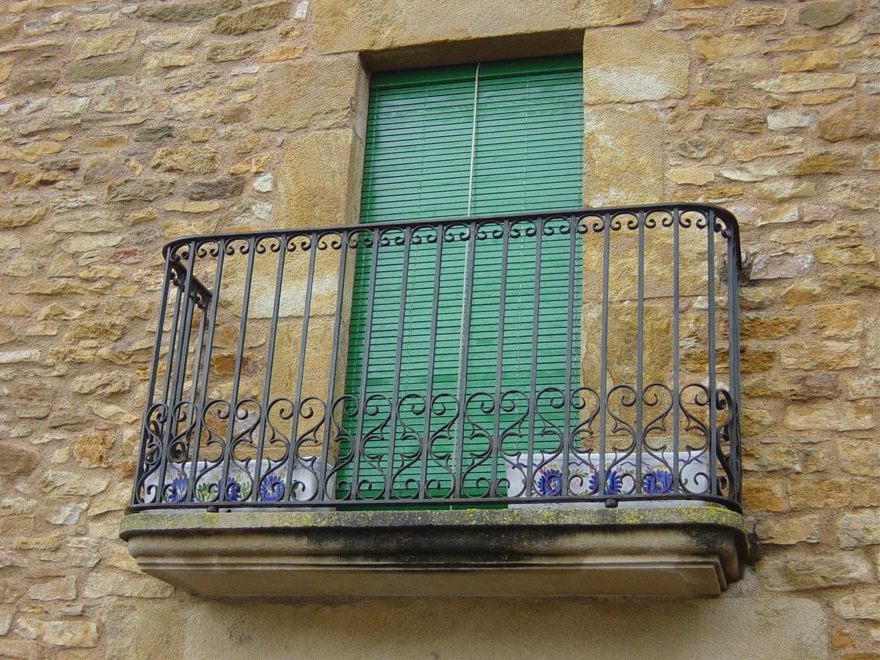 Escaleras de interior a medida escaleras de interiores - Rejas de forja antiguas ...