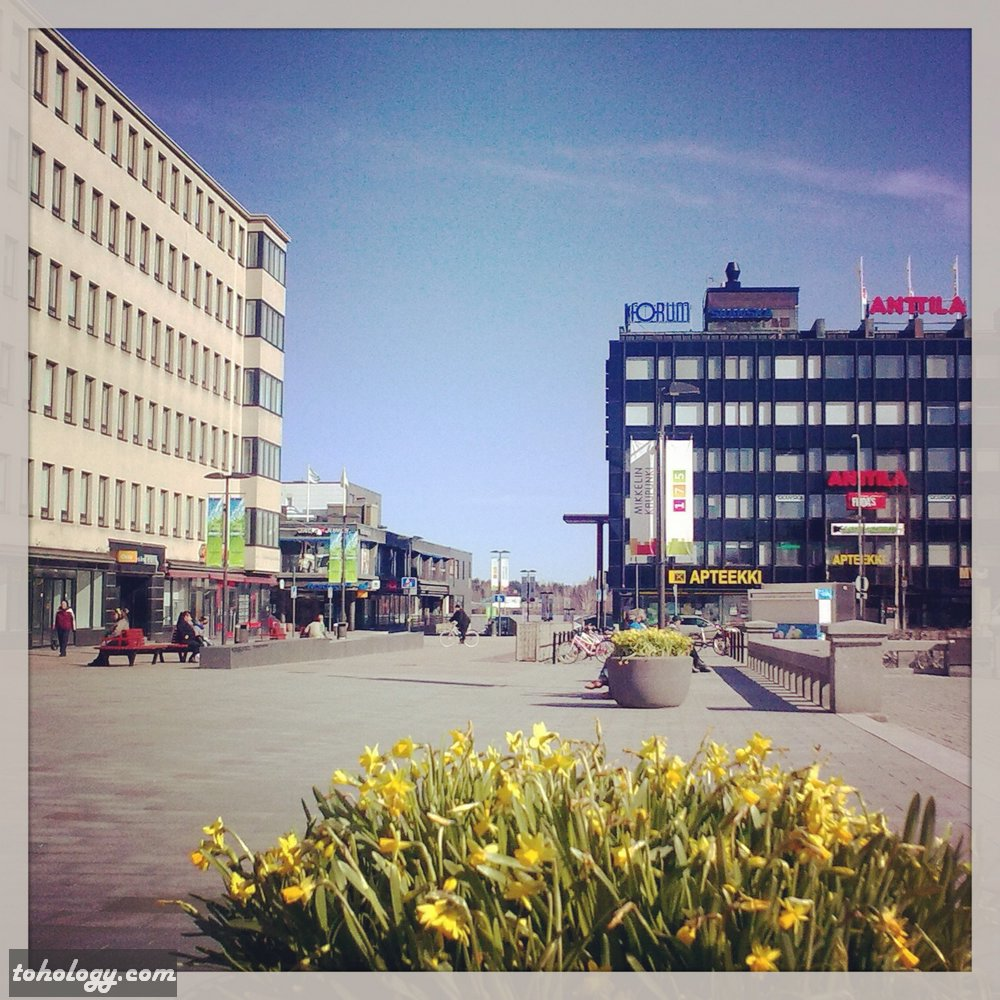 Main square (to the right), Nordea bank and Railroad station (straight) and Stella shopping center (to the left)