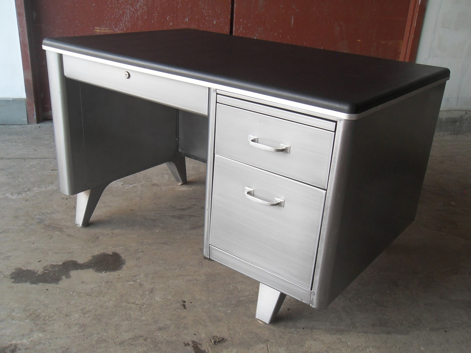 Compression Studio Small Cole Steel Desk