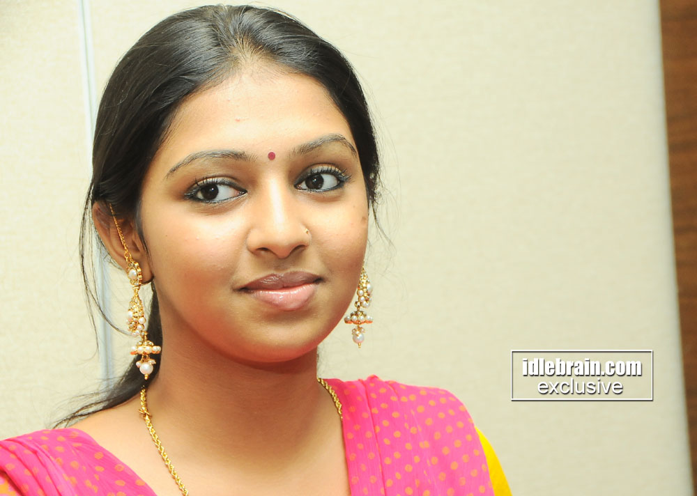 Actress Lakshmi Menon Hot Expressions In Yellow Chudithar For Hd
