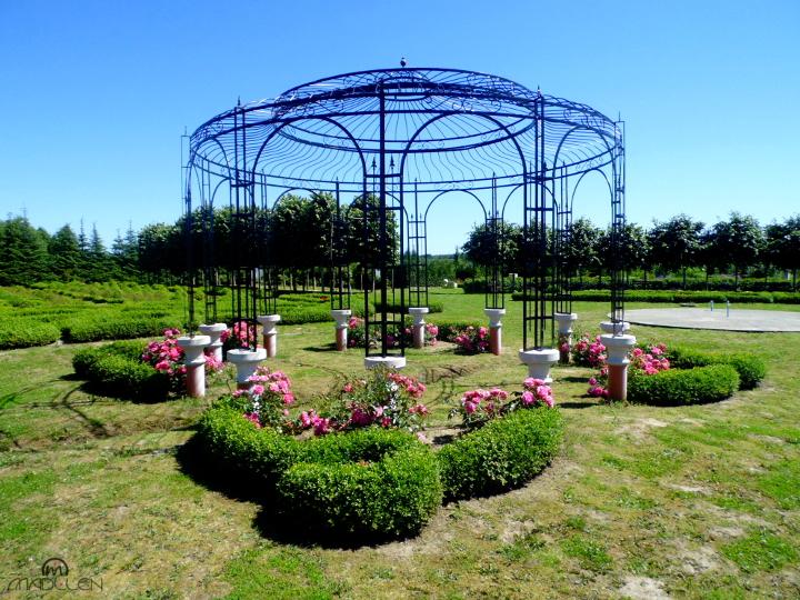 Plac Boskich Róż i Aleja Parteru Bukszpanowego w Dobrzycy