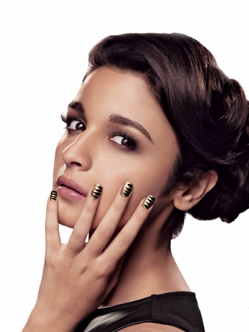 http://4.bp.blogspot.com/-Q3DM-8IXGj8/Uuv8fTRB95I/AAAAAAAAjK0/If4t1uhCPv0/s1600/Alia+Bhatt+Photoshoot+for+Maybelline.jpg