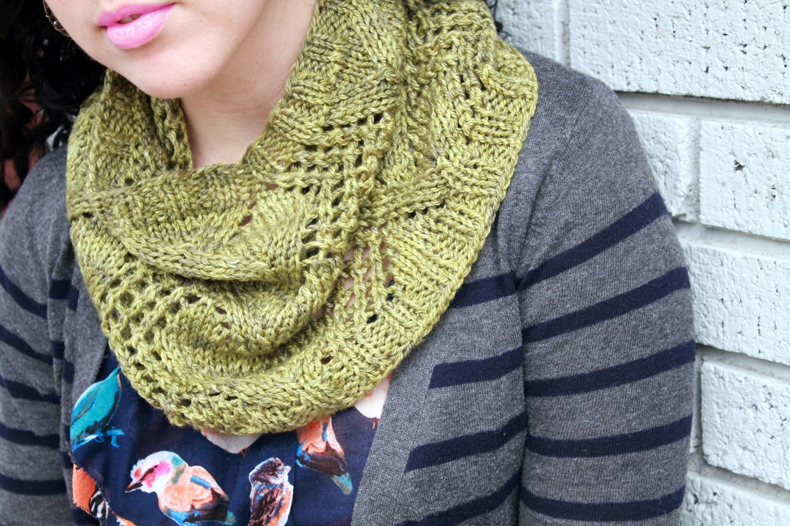 http://www.ravelry.com/patterns/library/lonicera-cowl