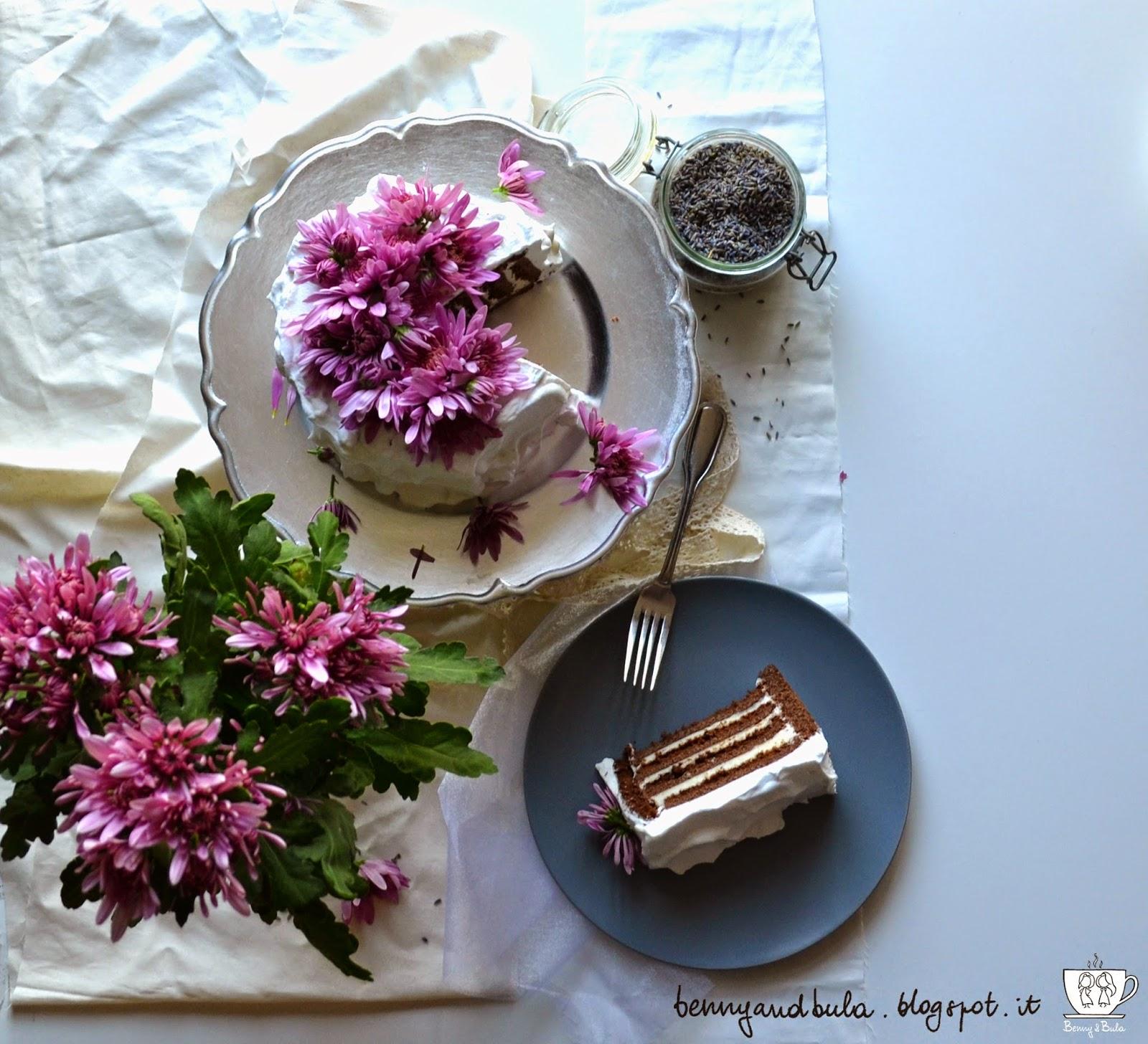 provencal coffee cake recipe with lavender and chocolate, vertical striped/ ricetta torta a strisce verticali con lavanda fondo di caffè e cioccolato