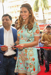 Esha Gupta Latest Pictures at Iconic Bata Store Launch  1
