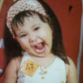 Foto Foto Delima Rizky JKT48 Ketika Masih Kecil