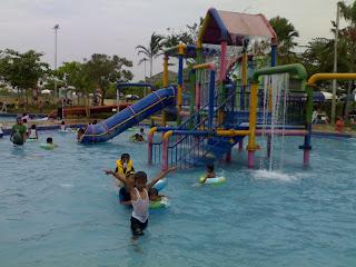 Kolam Anak Waterland Ujung Menteng Cakung
