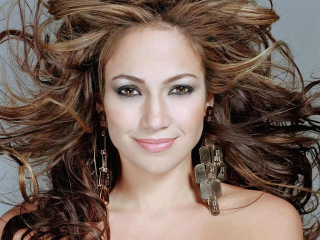 Jennifer Lopez Biography and Photos Gallery