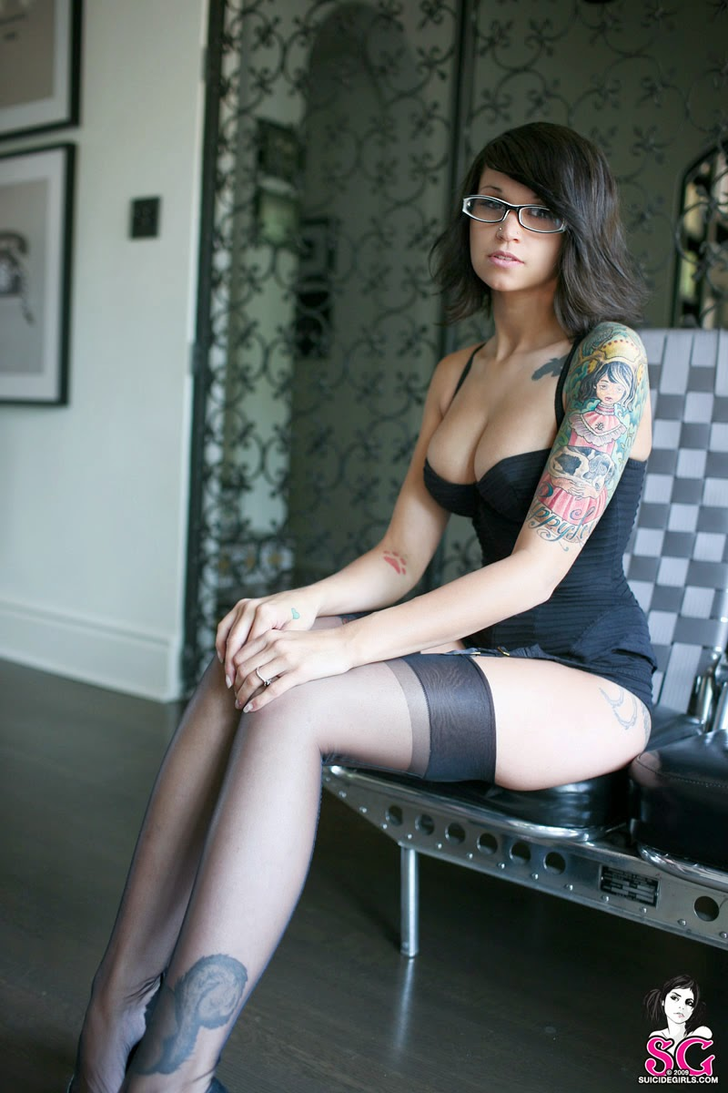 bully suicide angie rae   sexy tattooed girls