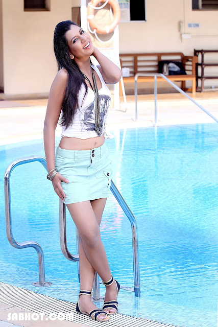 Shefali Saxena hot photos