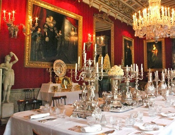 Tablecloths Of White Damask Double Or Single As Fine The Owners Purse Admits Are Used For Dinner Table With Large Square Napkins To