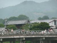 嵯峨曼荼羅山の「鳥居」の送り火の準備