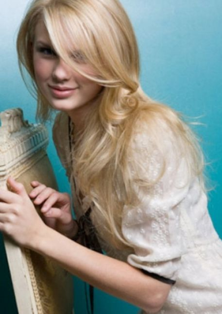 taylor swift straight hair. Taylor Swift lt; 3