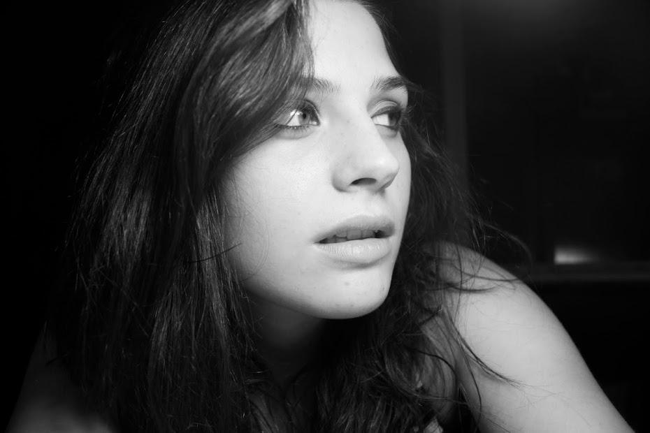 La chica de la mirada de cristal