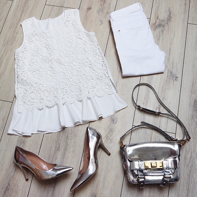 outfits top,heels,bag,jeans