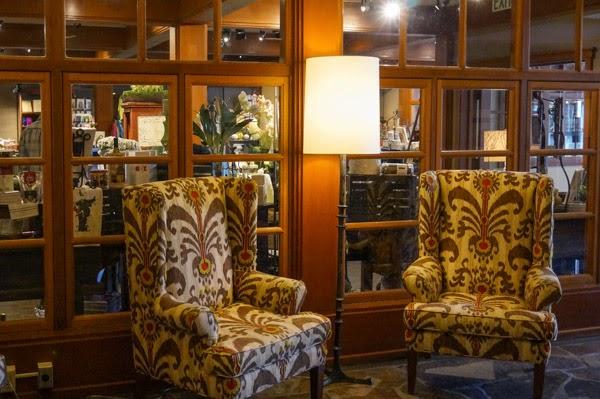 salish lodge lobby and gift shop