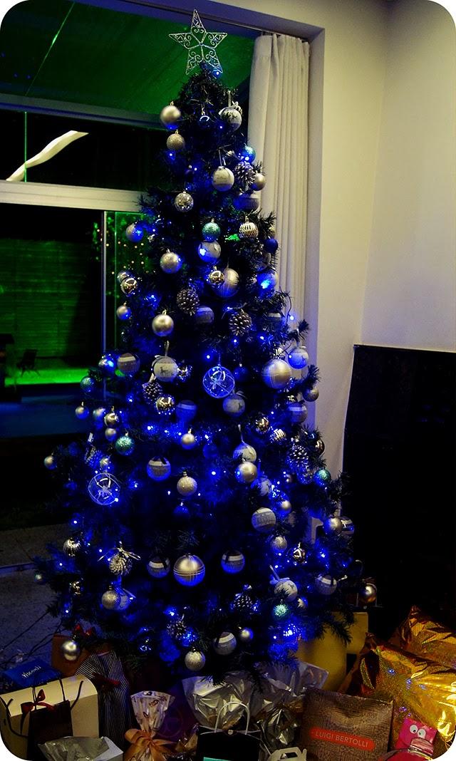 Árvore de Natal decoração e enfeites azul e prata