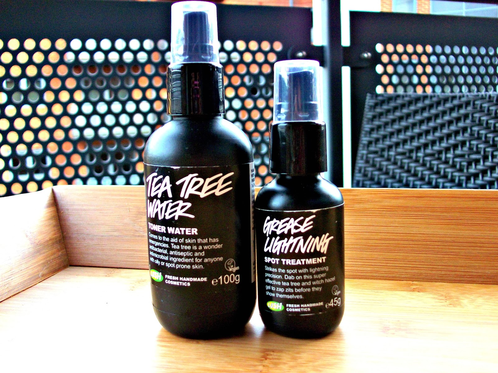 Lush Tea Tree Toner and Lush Grease Lightning Spot Treatment Review & FashStyleLiv: Lush Tea Tree Toner and Lush Grease Lightning Spot ...