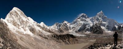 Вид на Эверест, Нупцзе и ледник с Кала Паттар.