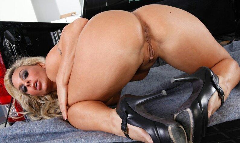 Порно фото сочных женщин секс бомба