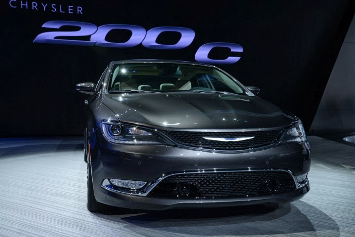 Chrysler-200-C-at-NAIAS-2014