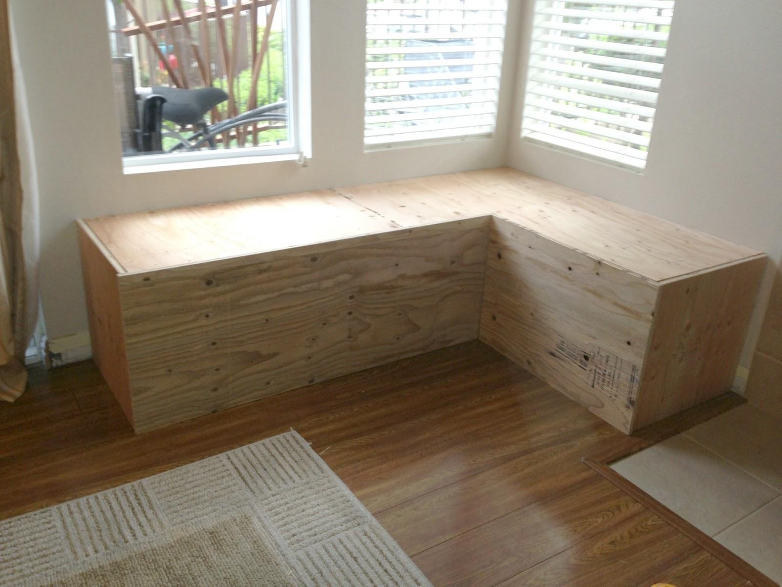 the good life takes work making a corner storage bench. Black Bedroom Furniture Sets. Home Design Ideas