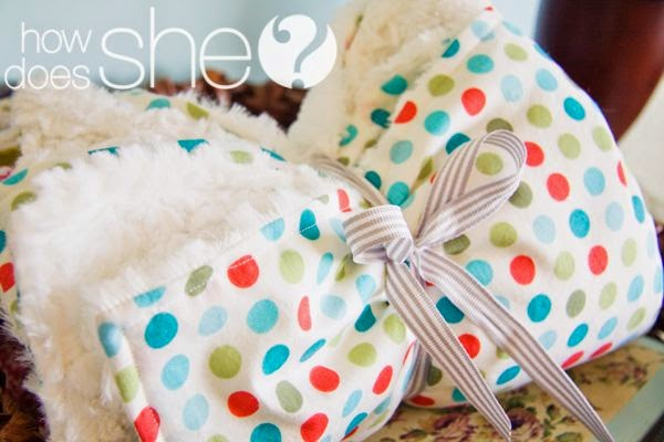 Minky Baby Blanket Tutorial by How Does She - TONS of baby blanket tutorials!