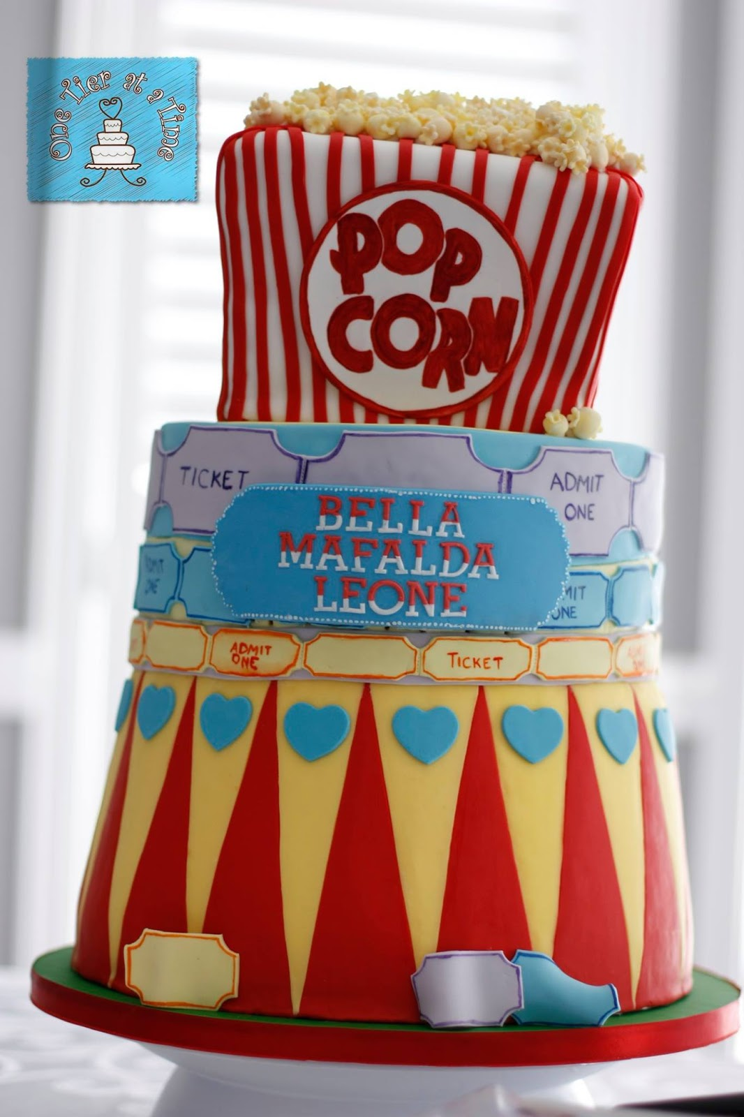 Carnival Themed Cake. Circus, popcorn