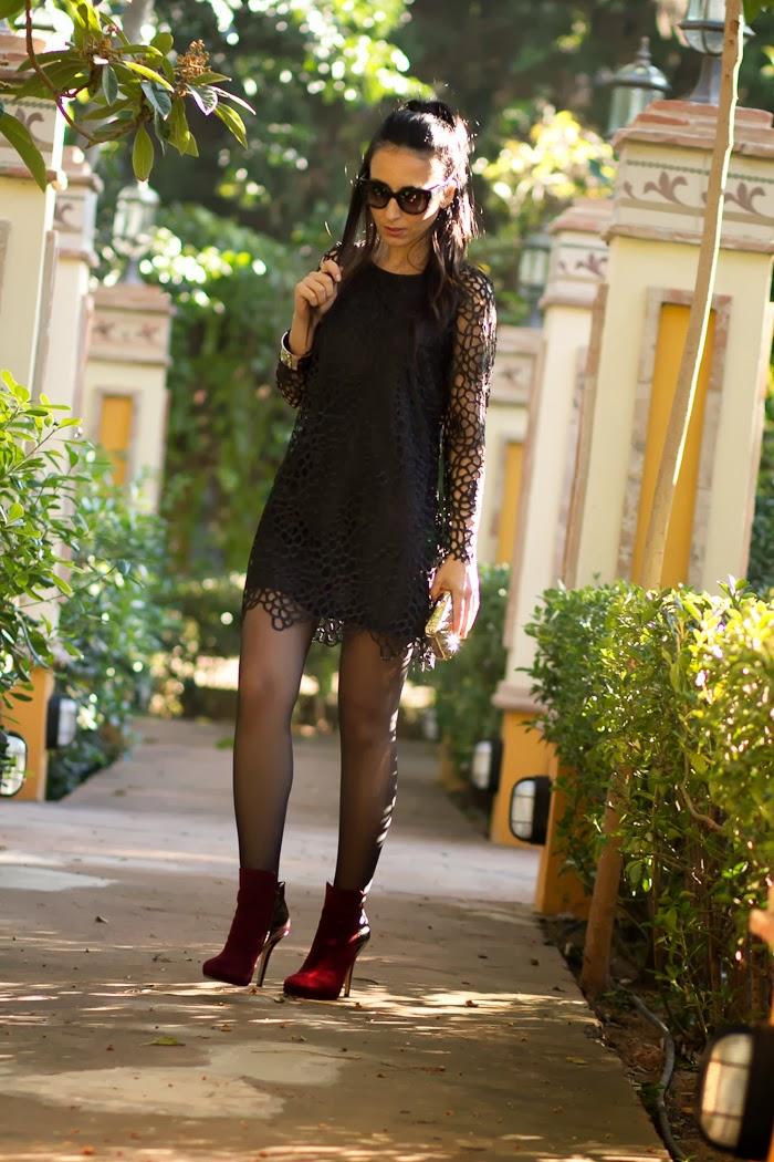 WOWS Bloguera valenciana con mini vestido negro