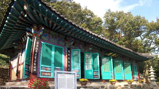 Templo Mubongsa en el monte Adongsan de Miryang